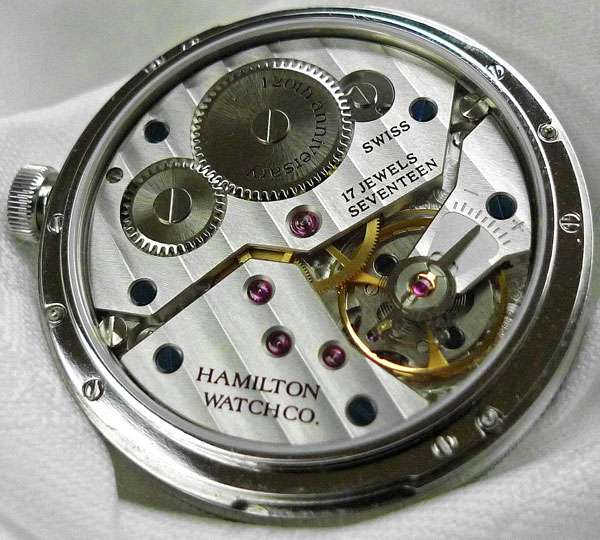 Часы Hamilton Khaki Navy Pioneer