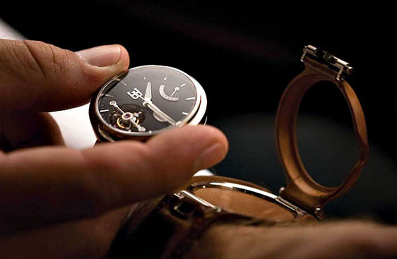 Обзор часов Parmigiani Bugatti Tourbillon для Bugatti Galibier