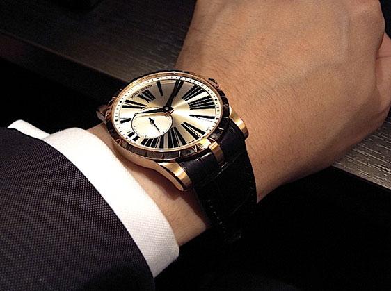 Купить часы Roger Dubuis Excalibur 42