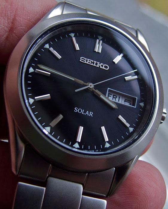 Обзор часов Seiko Solar SNE