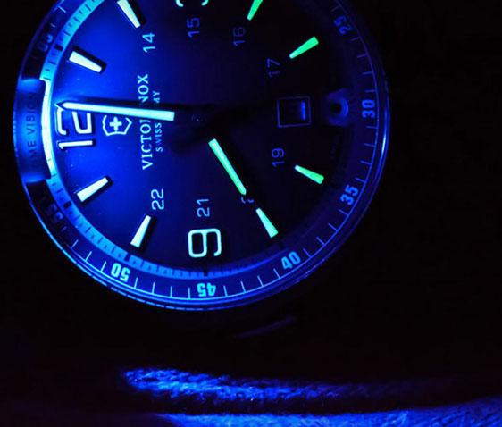 Обзор часов Victorinox Swiss Army Night Vision