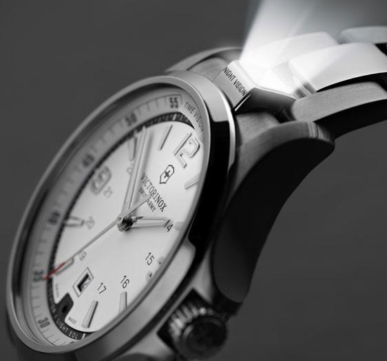Обзор мужских часов Victorinox Swiss Army Night Vision