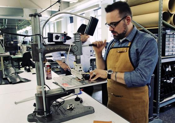 Производство кожаных ремешков для часов